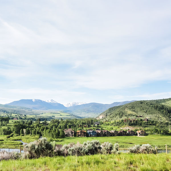 Shutterstock 291319373 Other Towns Remax Country